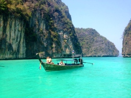 Phi Phi Leh day trip around the island | Maya Bay